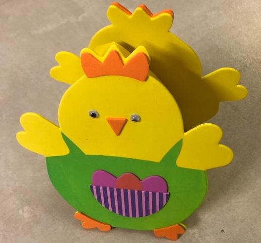Kuřátko z pěnovky - košíček na vajíčko