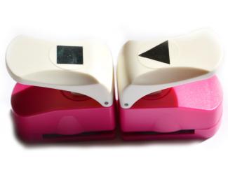 Děrovačka 25mm- Trojúhleník + čtverec, dvě za cenu jedné